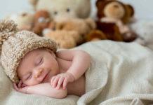 Zabawki dla niemowląt – jak wybrać prezent dla niemowlaka