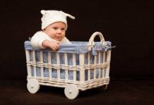 rozwój ruchowy niemowlęcia