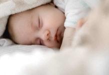 Łóżeczka dla niemowląt - czym się kierować w wyborze