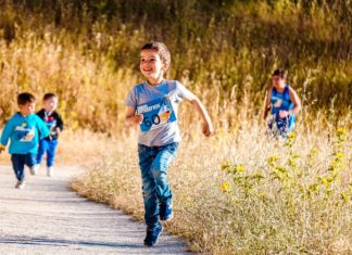 Zaraź dziecko sportem - jak gry i zabawy ruchowe wpływają na rozwój dzieci?