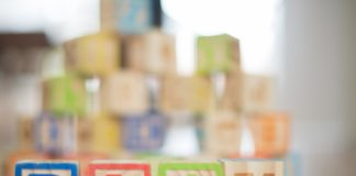 Klocki magnetyczne dla dzieci — poznaj 3 powody, dla których warto je kupić