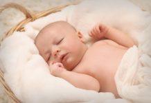3 popularne dolegliwości niemowlaków i jak sobie z nimi radzić