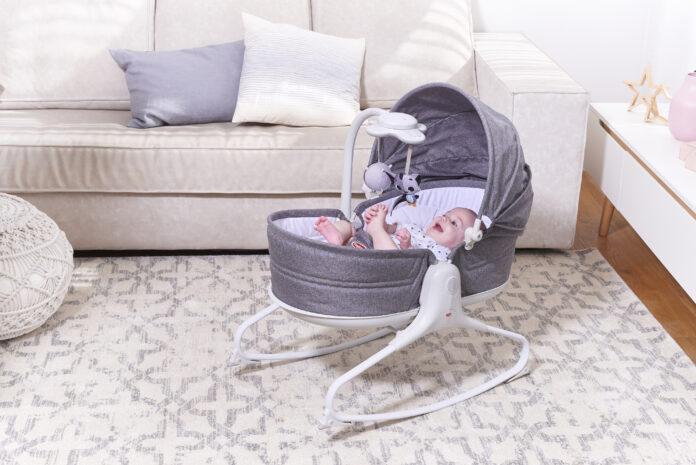 Czy warto kupić leżaczek dla dziecka pod choinkę?