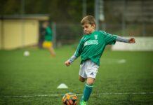 Koszulki piłkarskie dla dziecka - jakie warto wybierać?